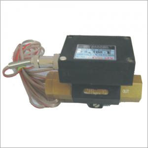 FS100 E Flow Switch