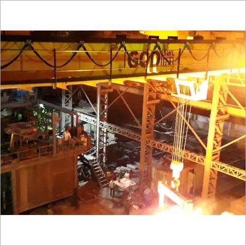 hot metal crane