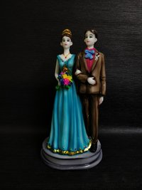 Couples Statue