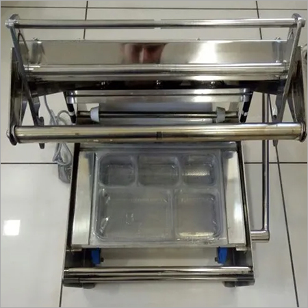 Lunch Tray Sealing Machine