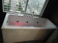 Whirlpool Jacuzzi Bathtub