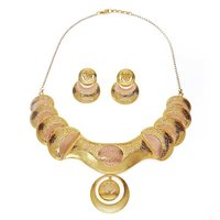 Bow Shaped Gold Necklace Set