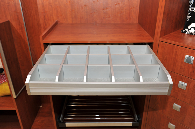 Panel Board Walk In Closet Storage System