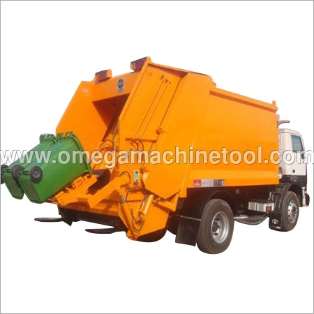 Rear End Loading Garbage Compactor