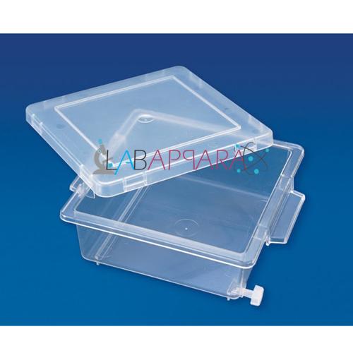 Laboratory Plastic Ware & Equipment