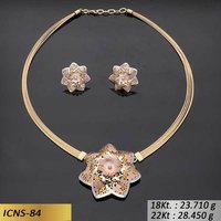 Heptagon Flower Shape Gold Chain Set