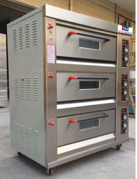 GAS BAKING OVEN 3 DECK