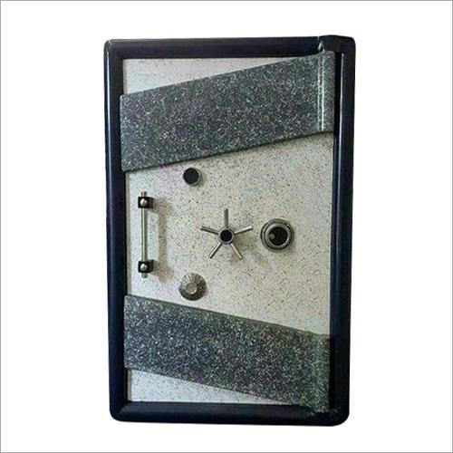 900 KG Defender Safe Locker