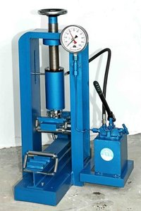 Flexural Strength Testing Machine - Hand Operated