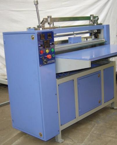 KNIFE PLEATING MACHINE
