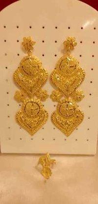 Gold Earrings (yellow)