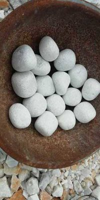 white marble pebbles / landscaping loose white pebbles stone
