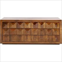 Traditional solid wood chest of drawer