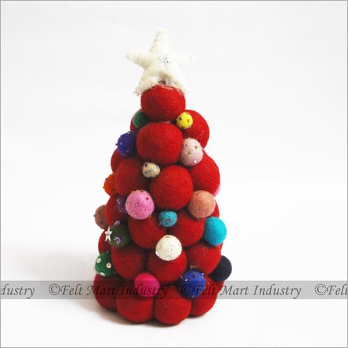 Felt Balls Christmas Tree