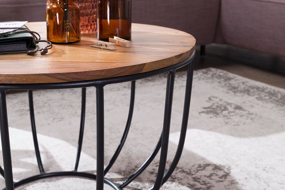 Wooden center coffee table with Barrely