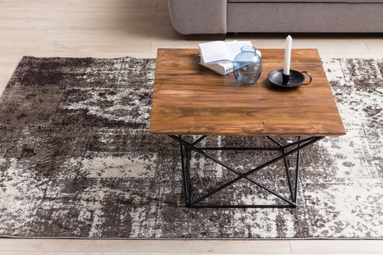 Center coffee table with Iron base Ferric