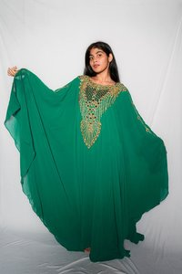 oversize green kaftan embroidered