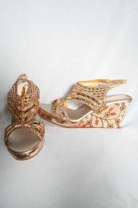 exclusive block heel sandal