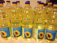 Refined Sunflower Oil Packed in Bulk and in PET Bottles.