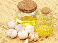 Garlic oil