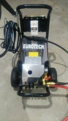 High jet pressure washer