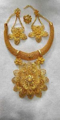 Necklace sets (Multicolor)