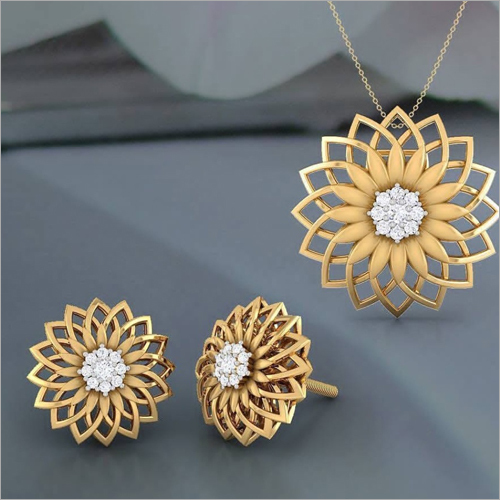 Ladies Gold Pendant Set