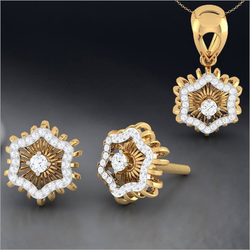 Ladies Stylish Gold Pendant Set