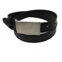 Fine Texture Single Layered Black Belt With Plate Buckle