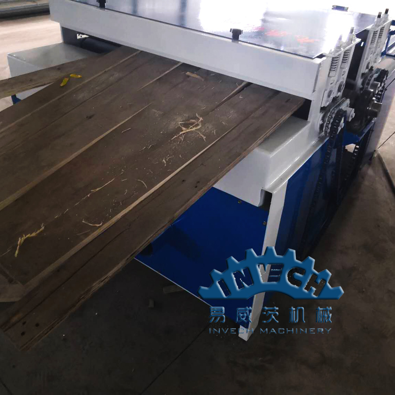 Wood Pallet Board Cutting Saw Machine