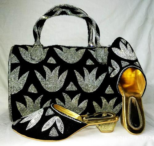 Shoes & purse for ladies