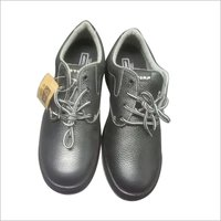 FULL RANGE OF SAFETY SHOES AND GUM BOOT