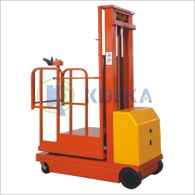 Self Propelled Stock Order Picker Load Capacity: 300  Kilograms (Kg)