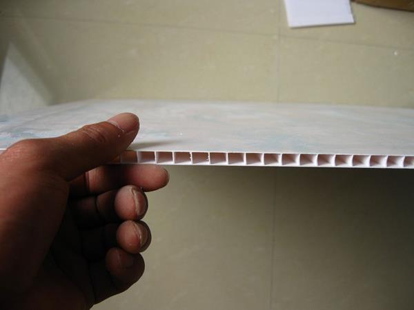 白色光滑的PVC天花板瓦片