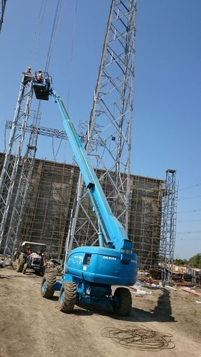 Straight Boom Lift rental Services