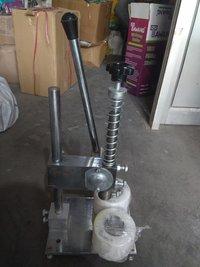 Pneumatic Tikki Fitting Machine