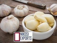 Raw Peeled Garlic