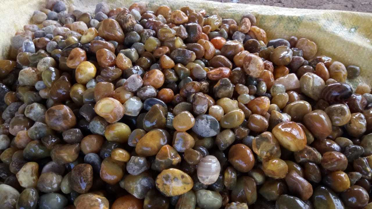 Premium Quality Red Carnelian Pebble And Aggregate