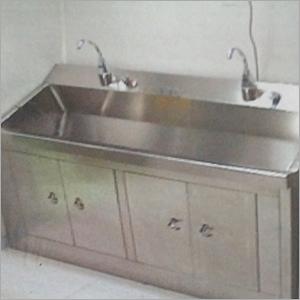 manual scrub station