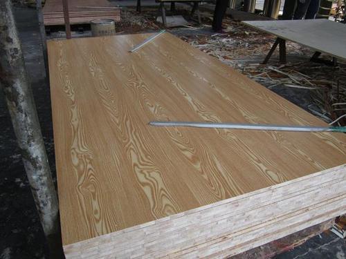 Melamine film faced wood block board