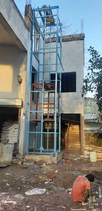 Structure Goods Lift
