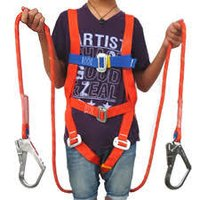 Niwar for safety belts