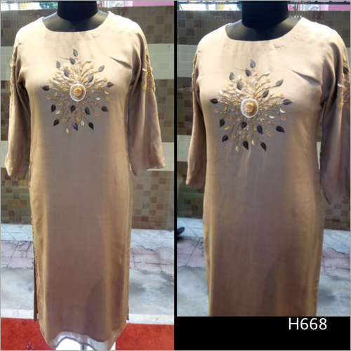 Round Neck Fashionable Kurti