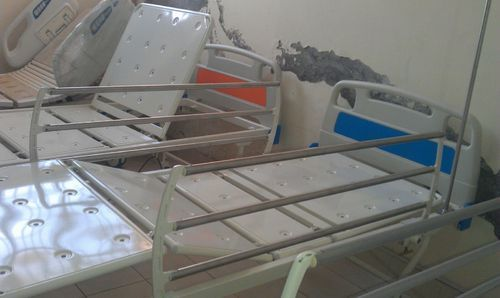 UMS-712 Manual Hi-Low ICU Bed