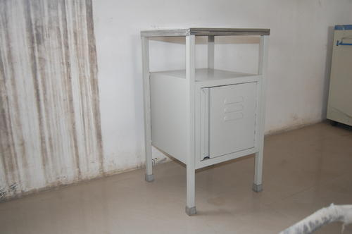 USM-758 Deluxe Bedside Locker