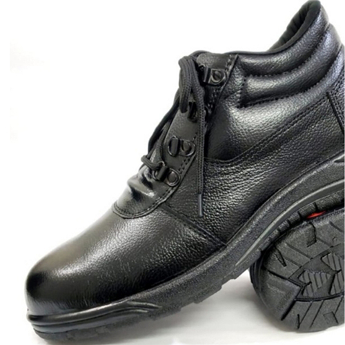 Injection Molded PVC Sole, Leather Upper Safety Shoe