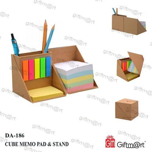 Cube Memo Pad & Pen Stand