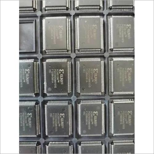 flash memory  XC95108-15PQG100I