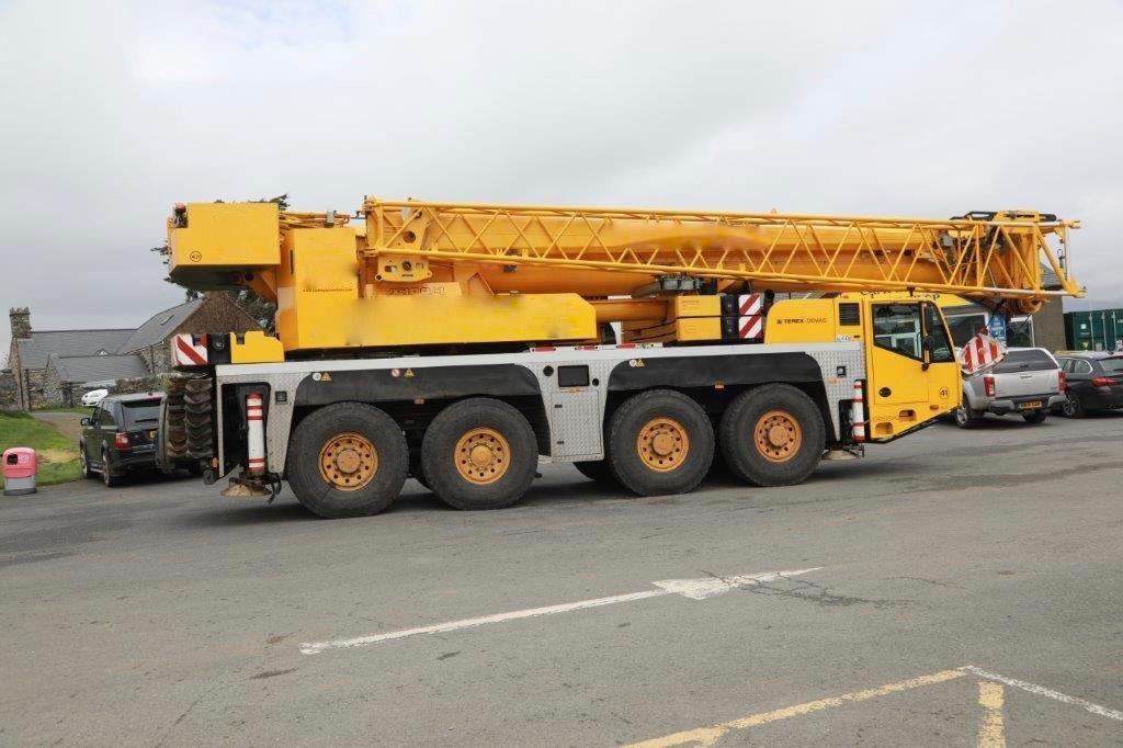 Heavy Duty Cranes Rental