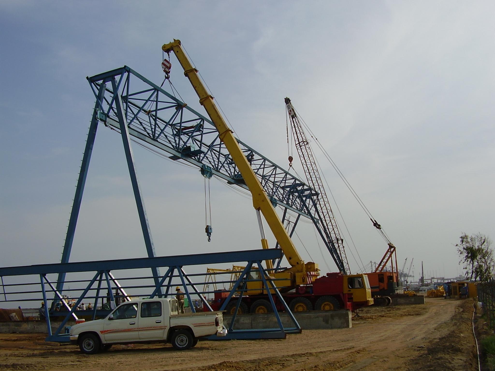 Heavy Duty Crane Service